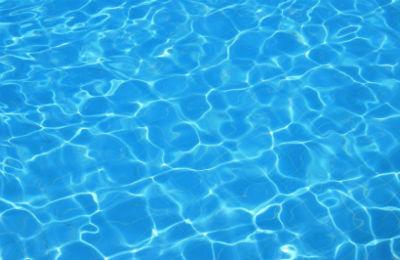 Comprar una piscina prefabricada por Internet
