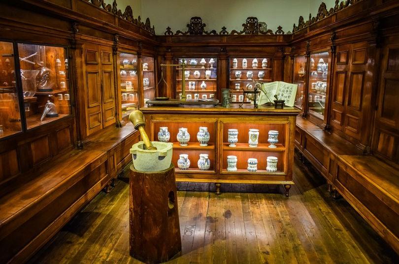 Farmacias comercios con tradicion en Andorra