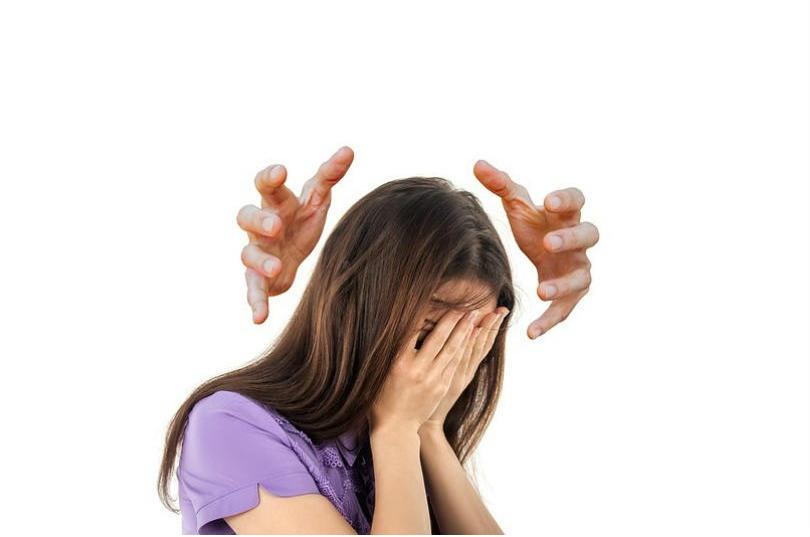 mujer con estres mental