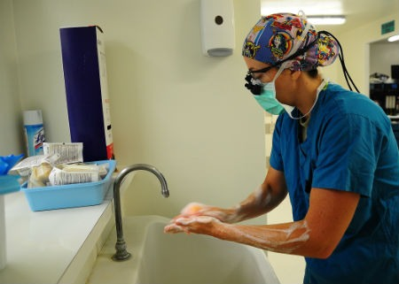 procedimiento de lavado quirurgico de manos