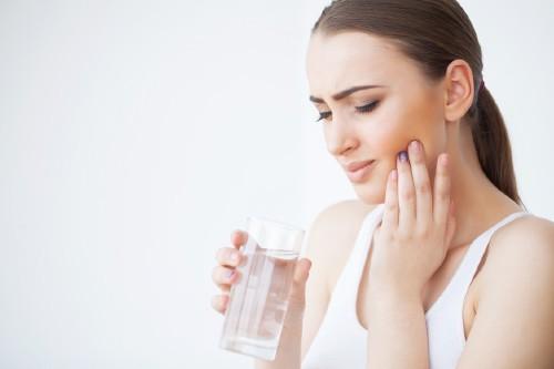 causas gingivitis