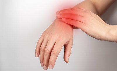 Dolor en las articulaciones de las manos